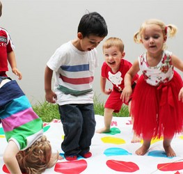 20-best-party-games-for-toddlers-toddler-twister.jpg