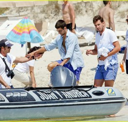 novak-djokovic-continues-his-bachelor-party-beach-vacation-13.jpg